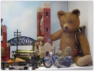 Мишки Тедди. Музей игрушки в башне Старой Ратуши / Мюнхен (Германия). Фото 10.