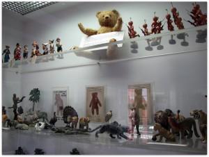 Мишки Тедди. Музей игрушки в башне Старой Ратуши / Мюнхен (Германия). Фото 32.